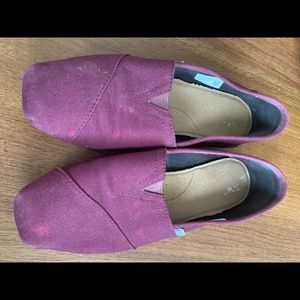 Toms Maroon Canvas Shoes